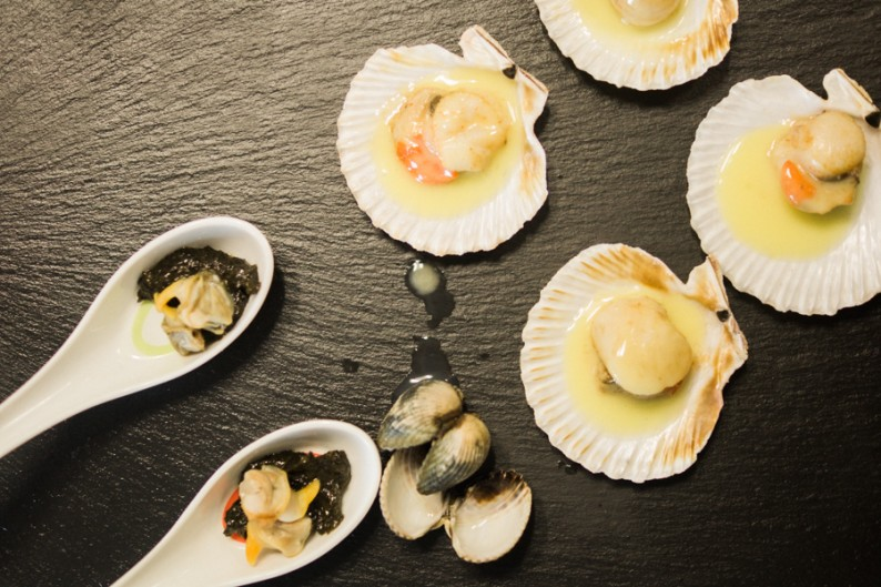 Queenie Scallops & Steamed Cockles on laver bread at Billingsgate Market Seafood School